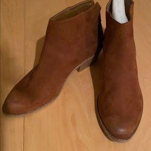Dolce vita dv8 size 8 1/2 boots